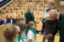 W pierwszej dwudziestce laureatów znalazł się także – startujący w programie po raz pierwszy – Zespół Szkół Publicznych w Łęknicy, gdzie akcję realizowali wyłącznie pierwszoklasiści. Na zdjęciu nagrody wręczają delegacji szkoły poseł Urszula Pasławska oraz prezes NRŁ Andrzej Gdula