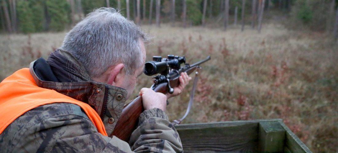 Błędem początkujących strzelców jest przedłużanie celowania. Jeśli proces trwa zbyt długo, widzenie będzie się pogarszać. Strzelec zamiast przerwać celowanie i odpocząć, stara się strzelić za wszelką cenę