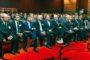 W sesji inauguracyjnej licznie uczestniczyli goście honorowi kongresu. Na zdjęciu są m.in. poseł Cezary Olejniczak (drugi od lewej), a dalej europoseł Wojciech Olejniczak, prezes Polskiego Radia Andrzej Siezieniewski, prezes WASKO Wojciech Wajda, poseł Tomasz Kulesza, Maciej Kaliski z Ministerstwa Gospodarki, minister Piotr Żuchowski, wicemarszałek Sejmu Eugeniusz Grzeszczak oraz (ostatni z prawej) gospodarz – łowczy krajowy dr Lech Bloch