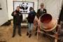 Celebryci chętnie włączają się w działania organizacji ekologicznych – na zdjęciu Olga Sipowicz (primo voto Jackowska), znana jako Kora, która w 2013 roku promowała swój teledysk podczas akcji WWF przeciw dewastacji rzek